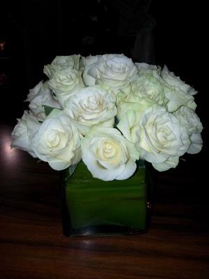 18-mondial-white-roses-$95