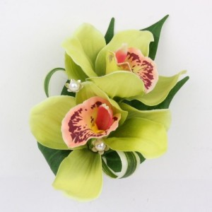 Green-Cymbidium-Orchid-wrist Corsage
