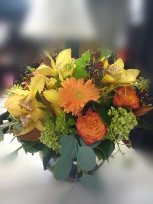 cym,-black-bacara-orange-roses-$125