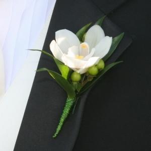 orchid-splendor-boutonniere