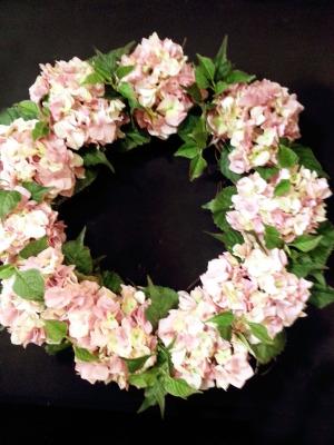 pink-hydrengea-wreath
