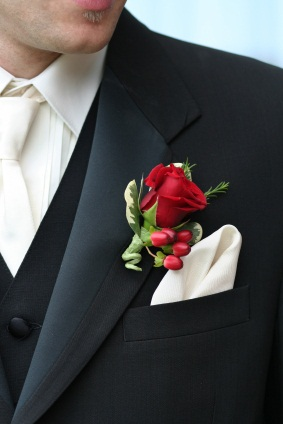 red_rose_boutonniere