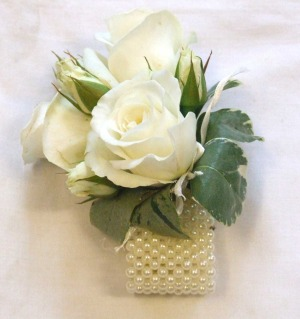 white-Rose-wrist-corsage
